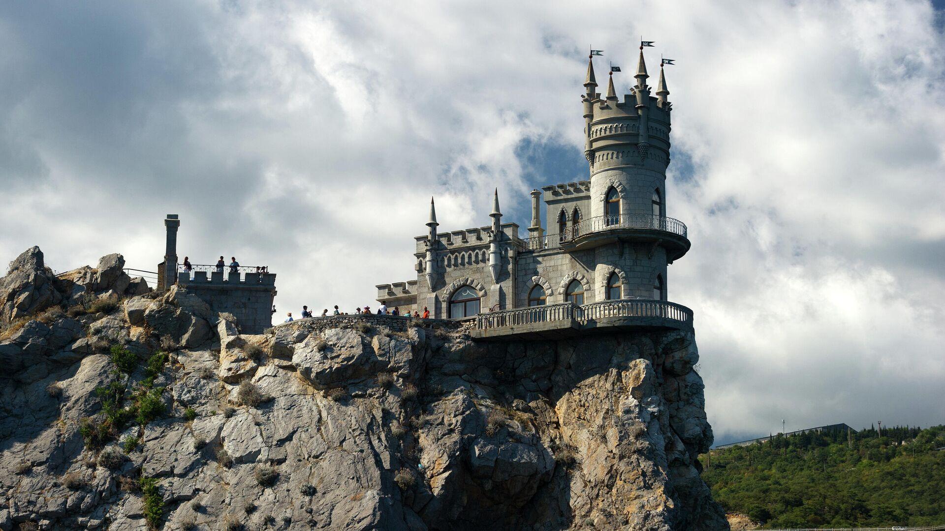 Замок Ласточкино гнездо на береговой скале в поселке Гаспра в Крыму - РИА Новости, 1920, 20.11.2020