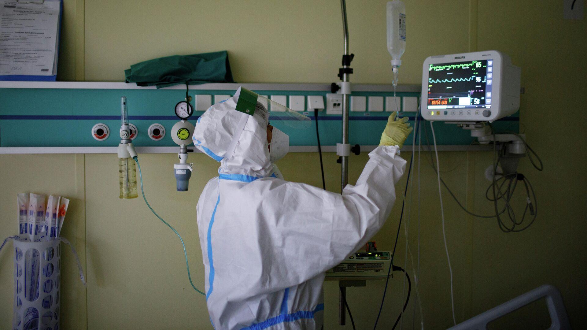 Медицинский работник в городской клинической больнице № 52 в Москве - РИА Новости, 1920, 11.10.2020