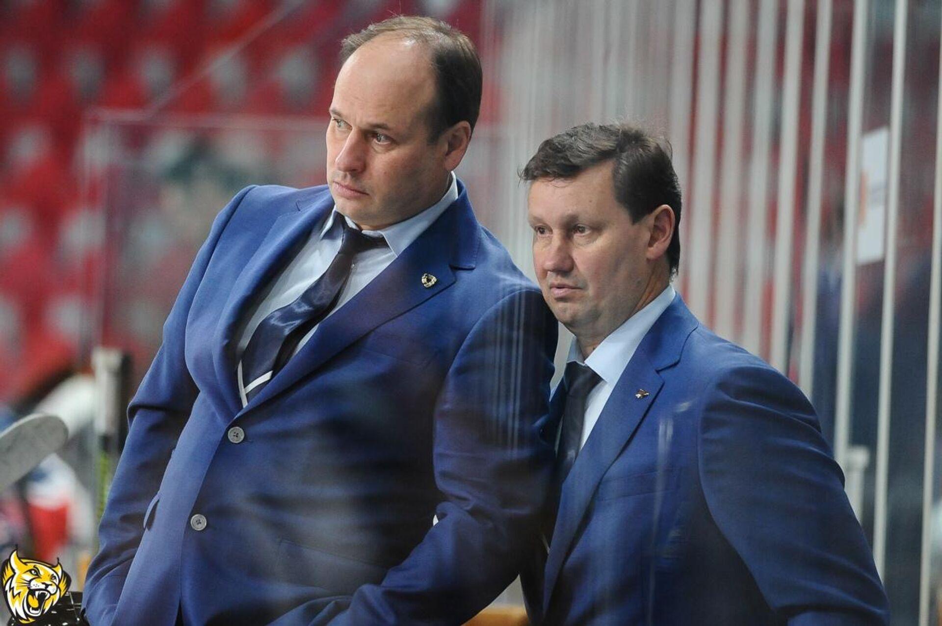 Хоккейный тренер Евгений Ставровский (слева) - РИА Новости, 1920, 21.10.2020