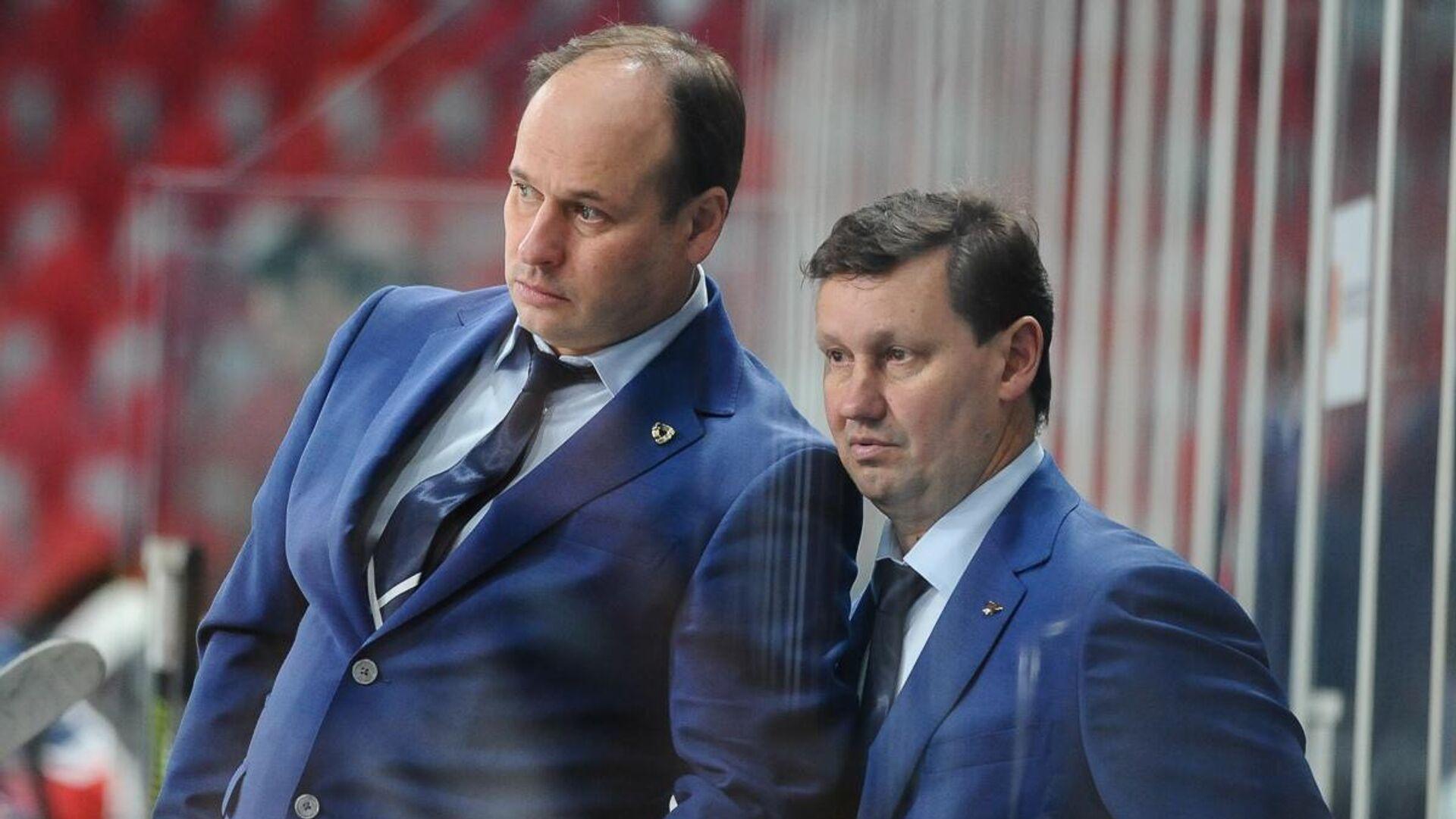 Хоккейный тренер Евгений Ставровский (слева) - РИА Новости, 1920, 13.10.2020