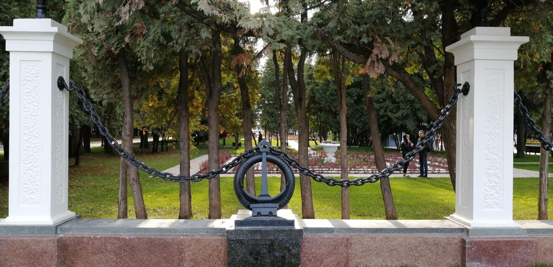 Восстановленная ограда парка Северного речного вокзала в Москве - РИА Новости, 1920, 14.10.2020