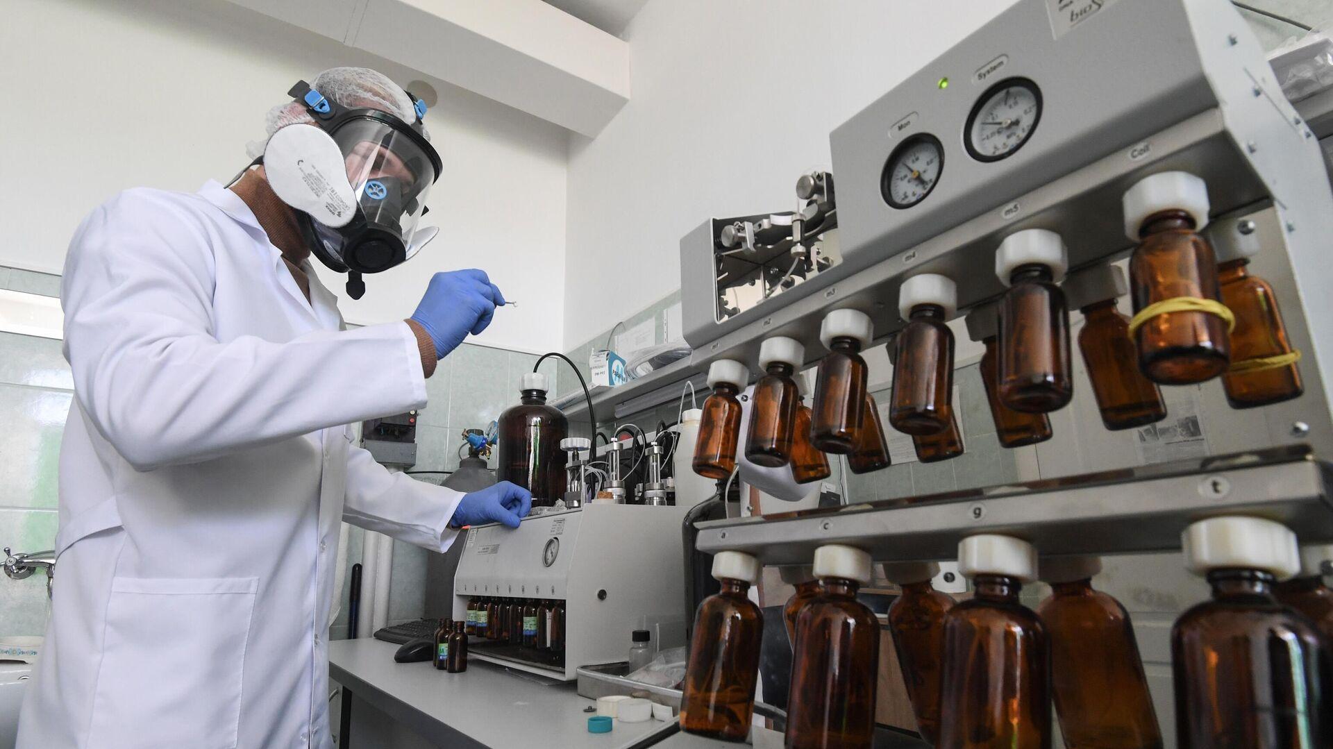 Учёные Крымского федерального университета разработали новую вакцину от коронавируса - РИА Новости, 1920, 16.10.2020