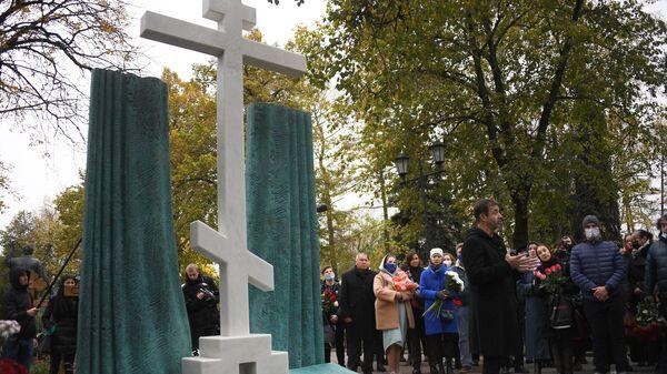 Открытие памятника М. Захарову на Новодевичьем кладбище
