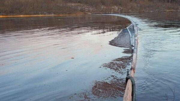 Место разлива нефтепродуктов в Ненецком округе