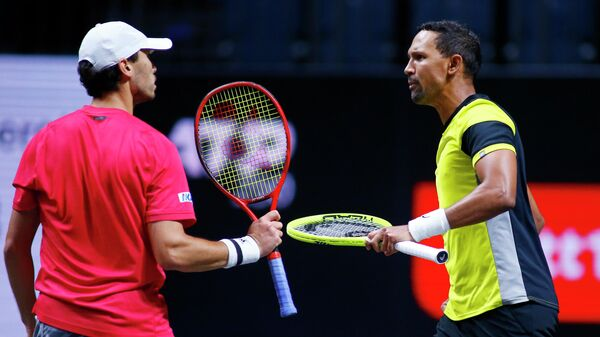 Tennis - ATP 250 - bett1HULKS Championship - Lanxess Arena Cologne, Cologne, Germany - October 25, 2020 South Africa's Raven Klaasen and Japan's Ben McLachlan celebrate during their final match against Germany's Kevin Krawietz and Andreas Mies REUTERS/Thilo Schmuelgen