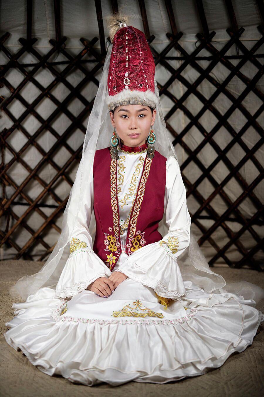 Проект Александра Химушина Мир в лицах. Казахи