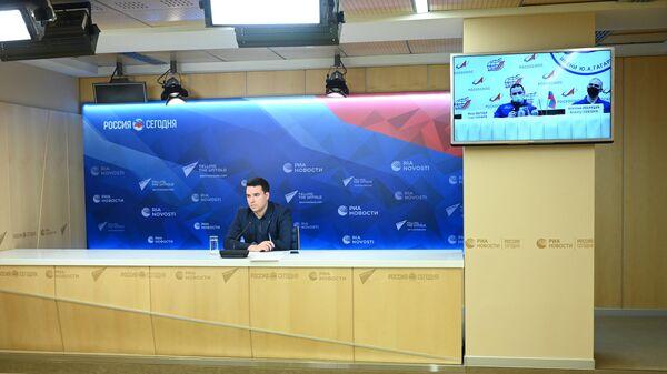 Космонавты Иван Вагнер и Анатолий Иванишин послеполетной онлайн-пресс-конференции в МИА Россия сегодня