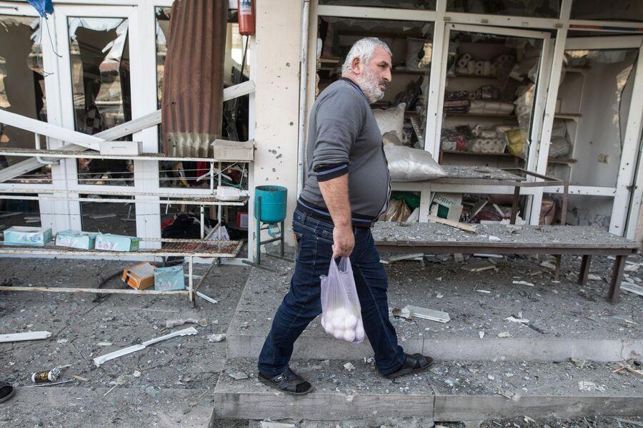 Последствия обстрела центрального рынка Степанакерта