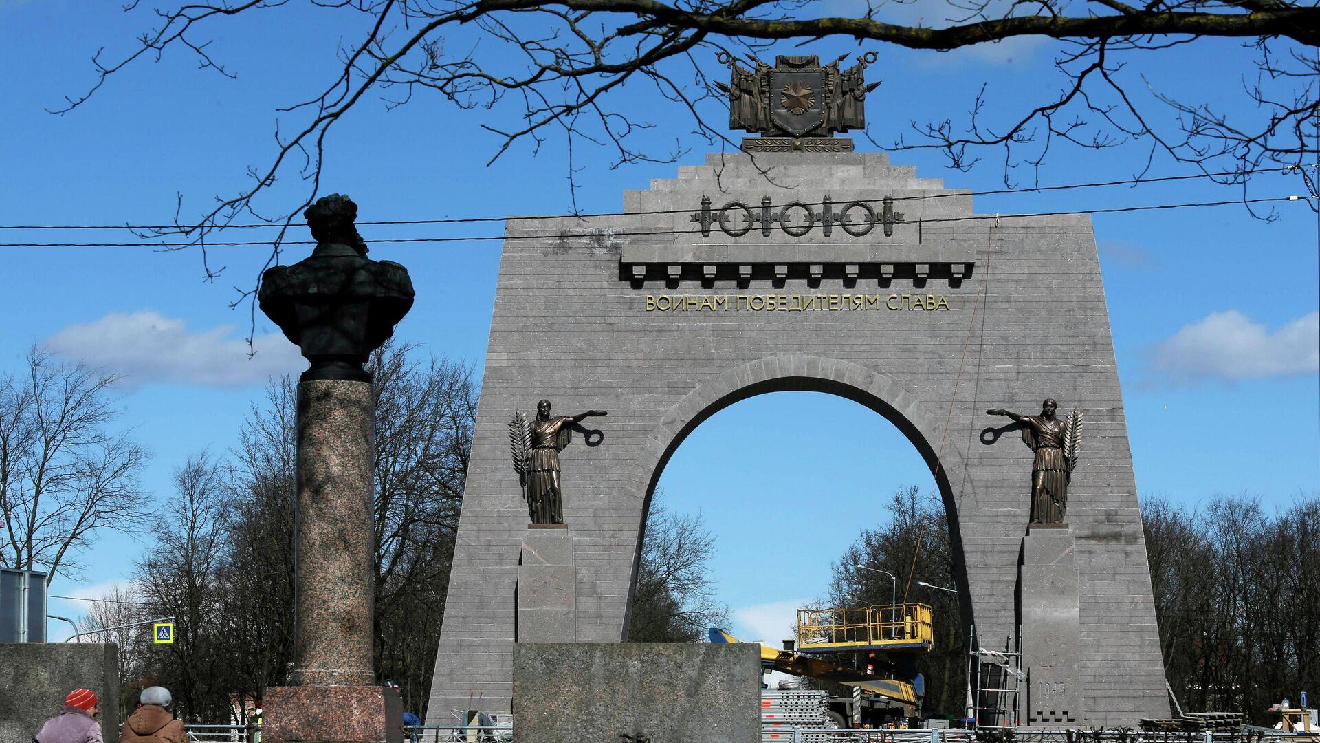 Строительство Арки Победы в пригороде Санкт-Петербурга - РИА Новости, 1920, 03.11.2020