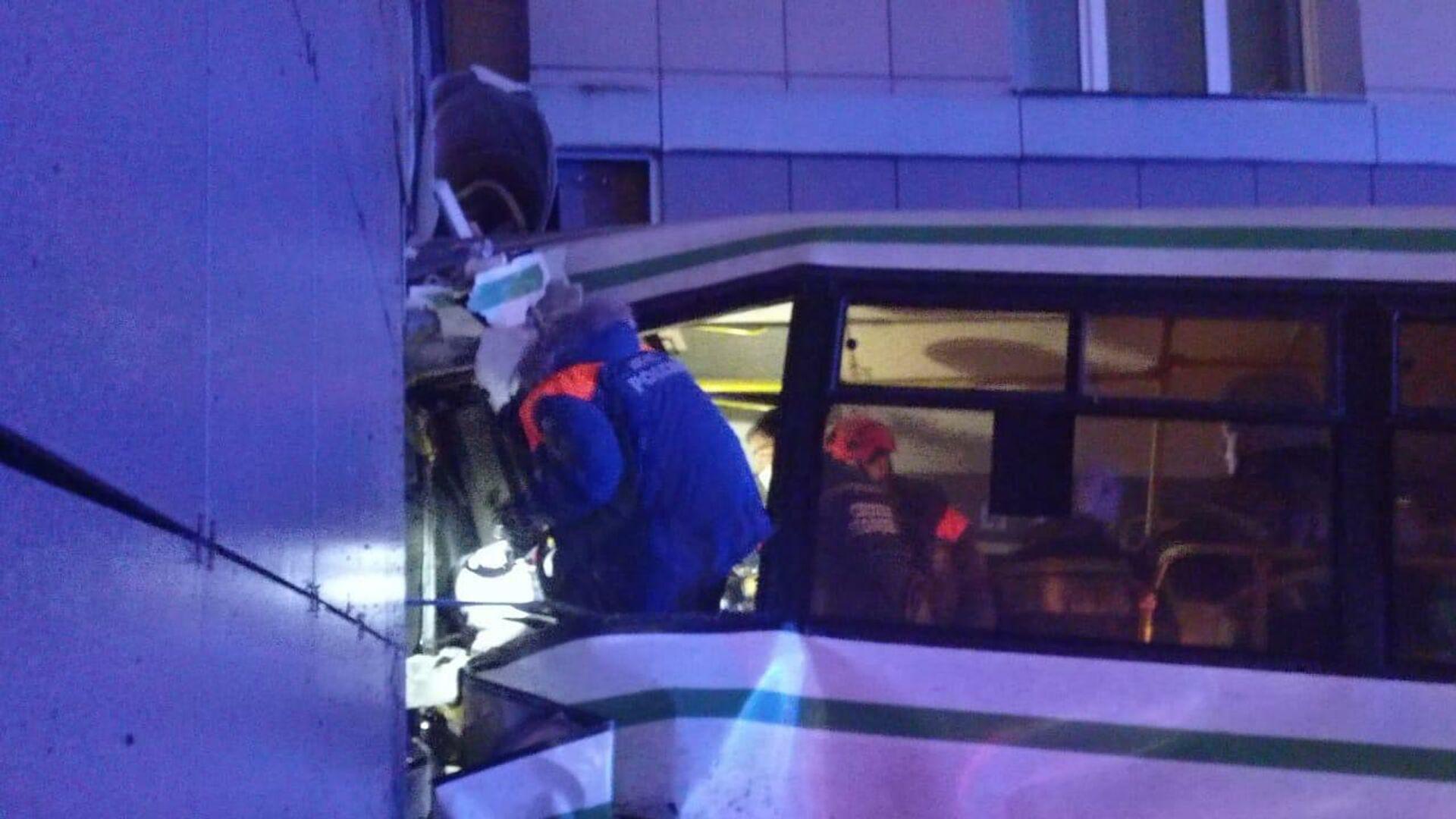 Власти рассказали о состоянии пострадавших в ДТП с автобусом в Новгороде