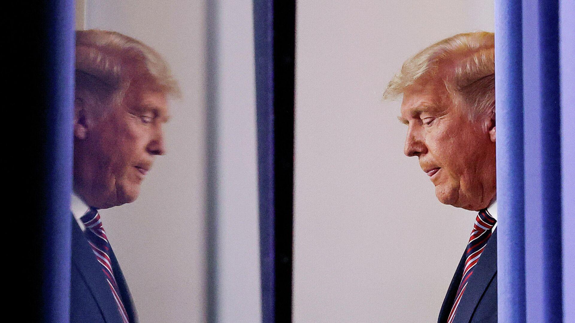 Президент США Дональд Трамп перед выступлением в Белом доме в Вашингтоне - РИА Новости, 1920, 24.11.2020