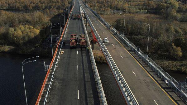 Демонстрация испытаний крупных мостов на прочность на ЦКАД-3