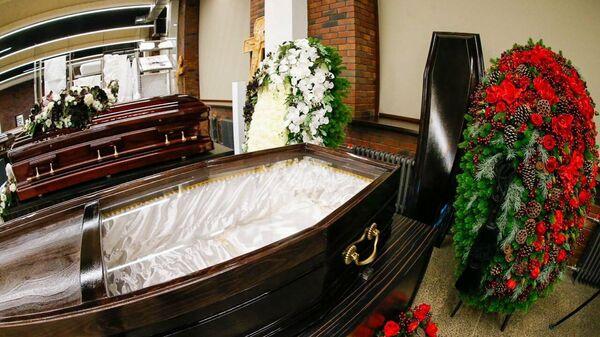 Гробы от ГБУ Ритуал со стеклянными крышками для умерших от коронавируса