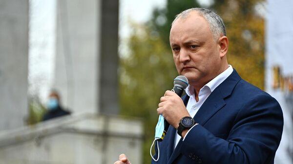 Президент Молдавии Игорь Додон во время митинга в его поддержку в Кишиневе