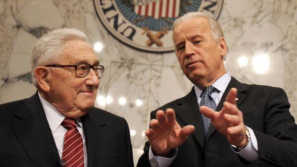 Джо Байден и Генри Киссинджер в Вашингтоне. 2007 год