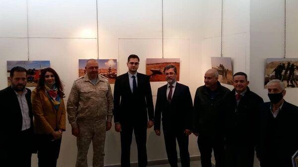 Фотовыставка РИА Новости о хронике войны в Сирии открылась в Дамаске