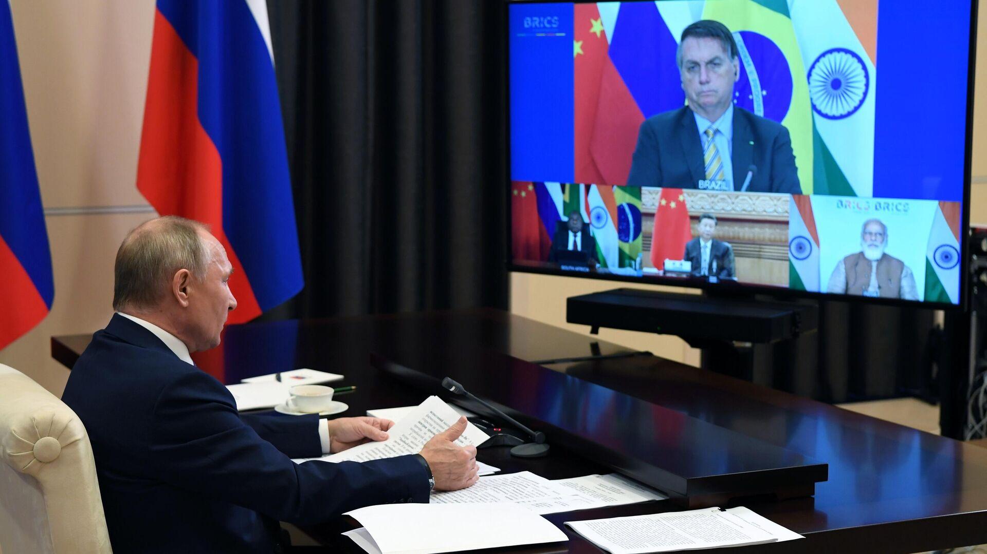 Президент РФ Владимир Путин принимает участие в XII саммите БРИКС в режиме видеоконференции - РИА Новости, 1920, 17.11.2020