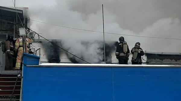Пожар в производственном здании в Челябинске