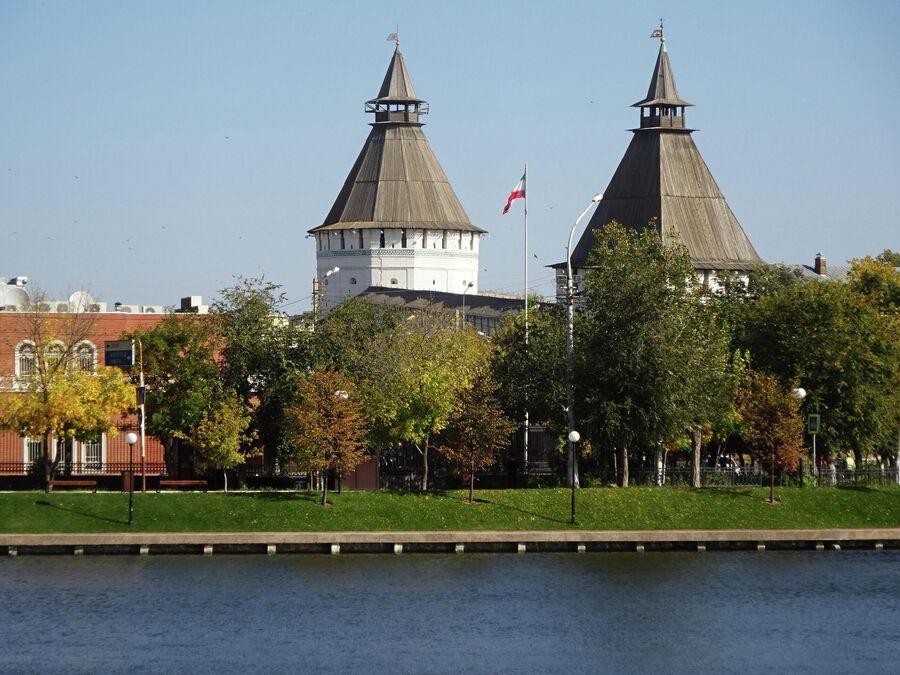 Красные Ворота и Крымская Башня