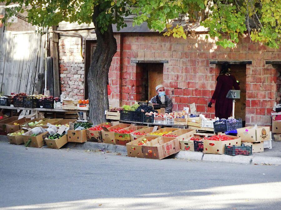 Торговля на улицах Астрахани