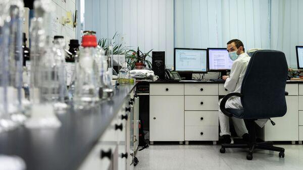Российская вакцина от коронавируса Спутник V доставлена в Венгрию для клинических исследований