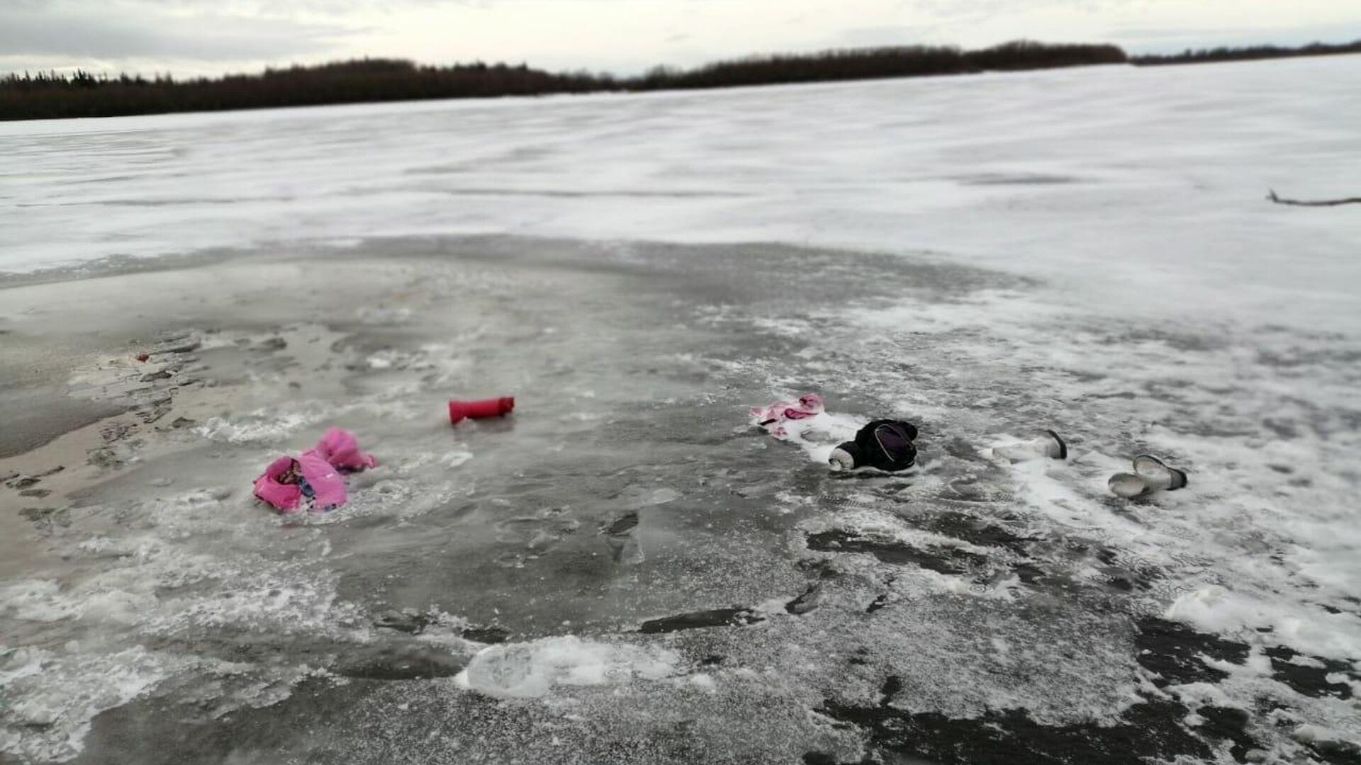 Девочка, спасенная из ушедшей под лед машины в Югре, пошла на поправку