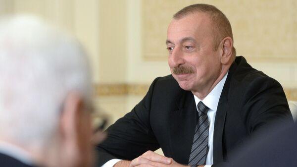 Президент Азербайджана Ильхам Алиев во время встречи с министром иностранных дел РФ Сергеем Лавровым в Баку
