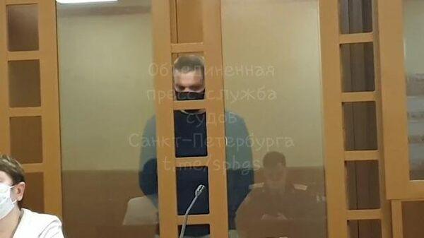 Денис Бельтюков, взявший в заложники детей, предстал перед судом