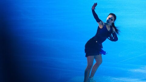 Алина Загитова на показательных выступлениях этапа Гран-при по фигурному катанию в Москве