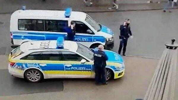 Кадры задержания водителя в Германии, въехавшего в толпу