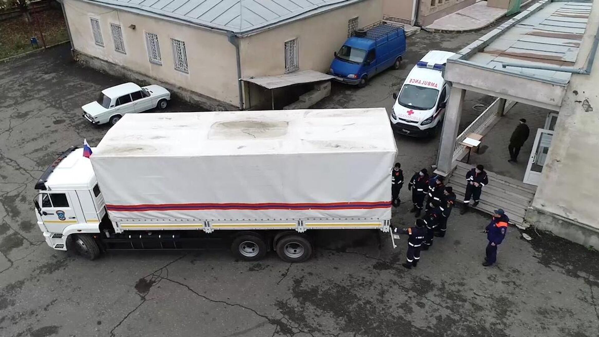 Гуманитарная помощь доставлена из России в Нагорный Карабах  - РИА Новости, 1920, 02.12.2020