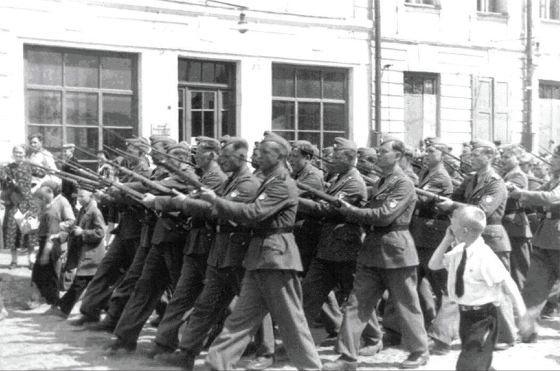Парад РОА. Псков, 22 июня 1943 года  - РИА Новости, 1920, 04.12.2020