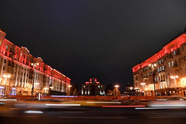 Подсветка зданий в честь Дня борьбы с инсультом