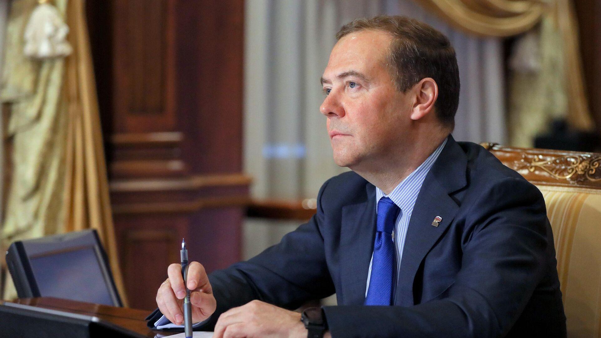 Председатель Единой России Дмитрий Медведев - РИА Новости, 1920, 26.01.2021