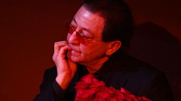 Певец Григорий Лепс на церемонии прощания с актером театра и кино, народным артистом РСФСР Валентином Гафтом в московском театре Современник