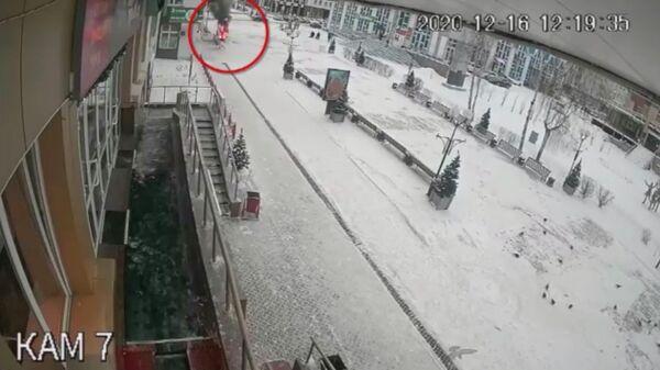 Стоп-кадр записи с камеры видеонаблюдения
