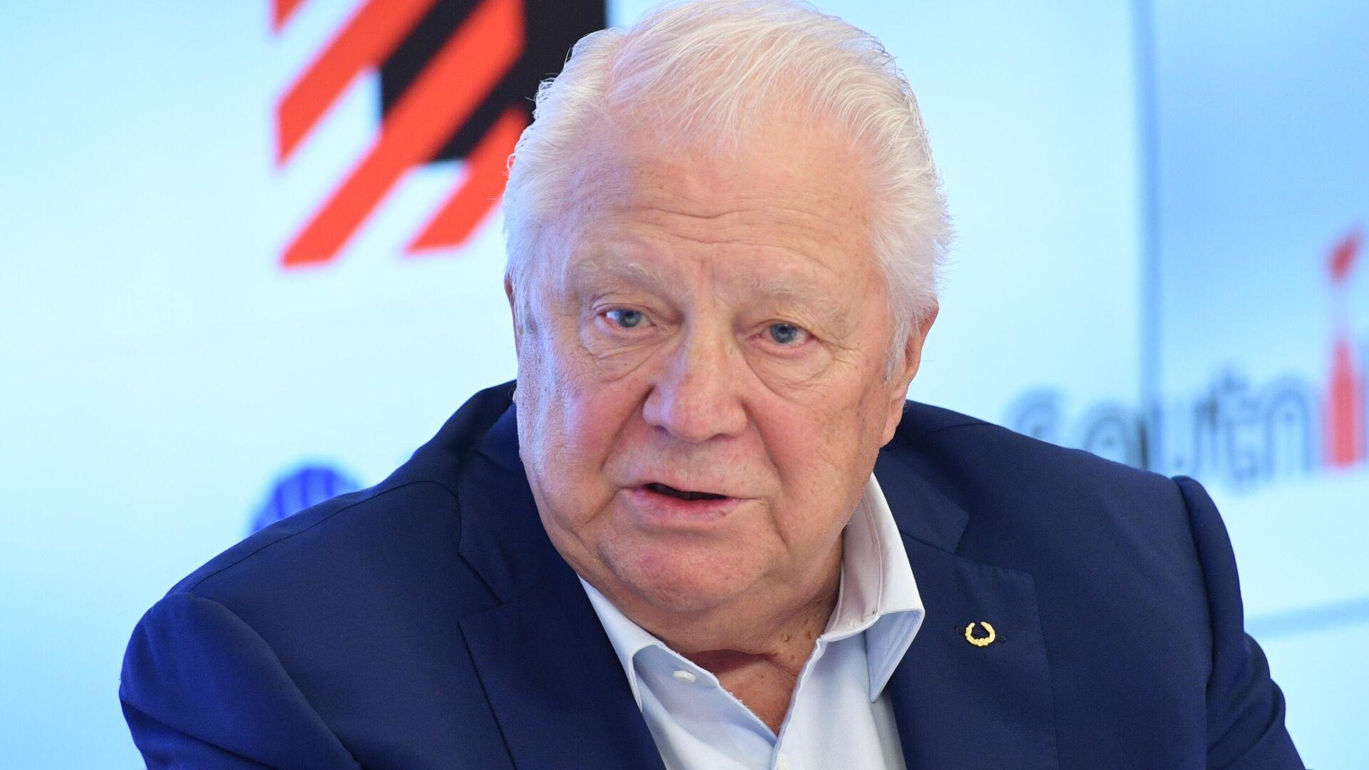 Почетный президент Олимпийского комитета России, почетный член МОК Виталий Смирнов - РИА Новости, 1920, 25.01.2021