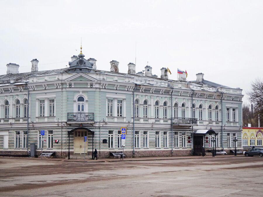 Дом Евреинова на Успенской площади, второй этаж которого сдавали местному театральному обществу