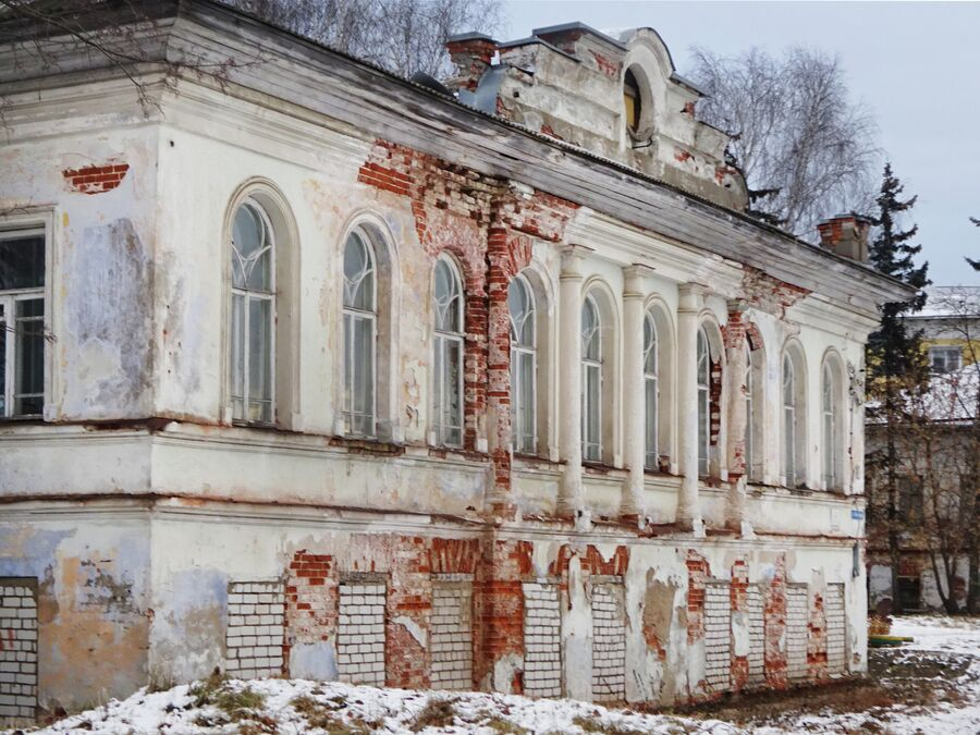 Здание бывшей гостиницы Воскресенского монастыря (нач. 19 века)