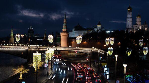 Москворецкая набережная в Москве