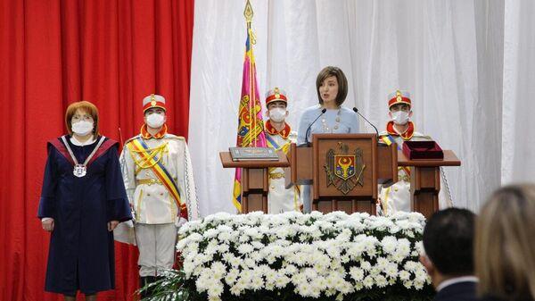 Избранный президент Молдавии Майя Санду на церемонии инаугурации во Дворце Республики в Кишиневе