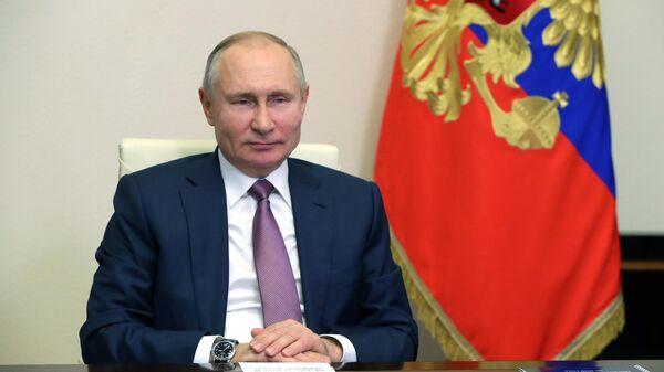Путин поприветствовал участников XII Гайдаровского форума