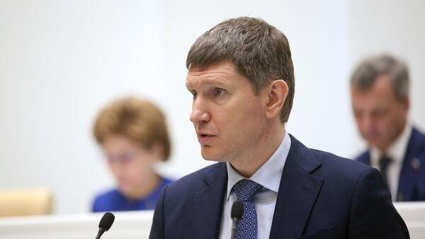 Министр экономического развития РФ Максим Решетников на заседании Совета Федерации РФ