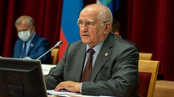 Председатель Законодательного Собрания Кировской области Владимир Гаврилович Бакин