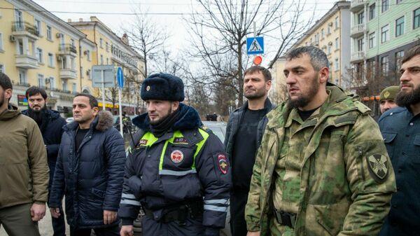 Правоохранители на месте стрельбы в Грозном