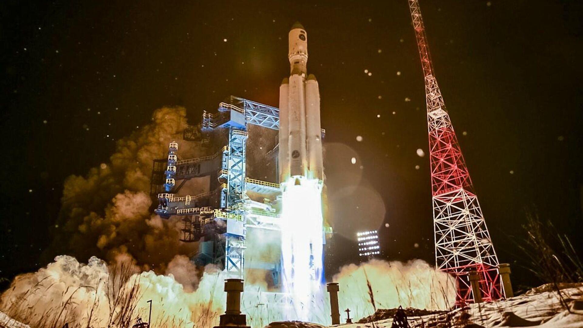"""Рогозин рассказал о следующем запуске тяжелой ракеты """"Ангара"""""""