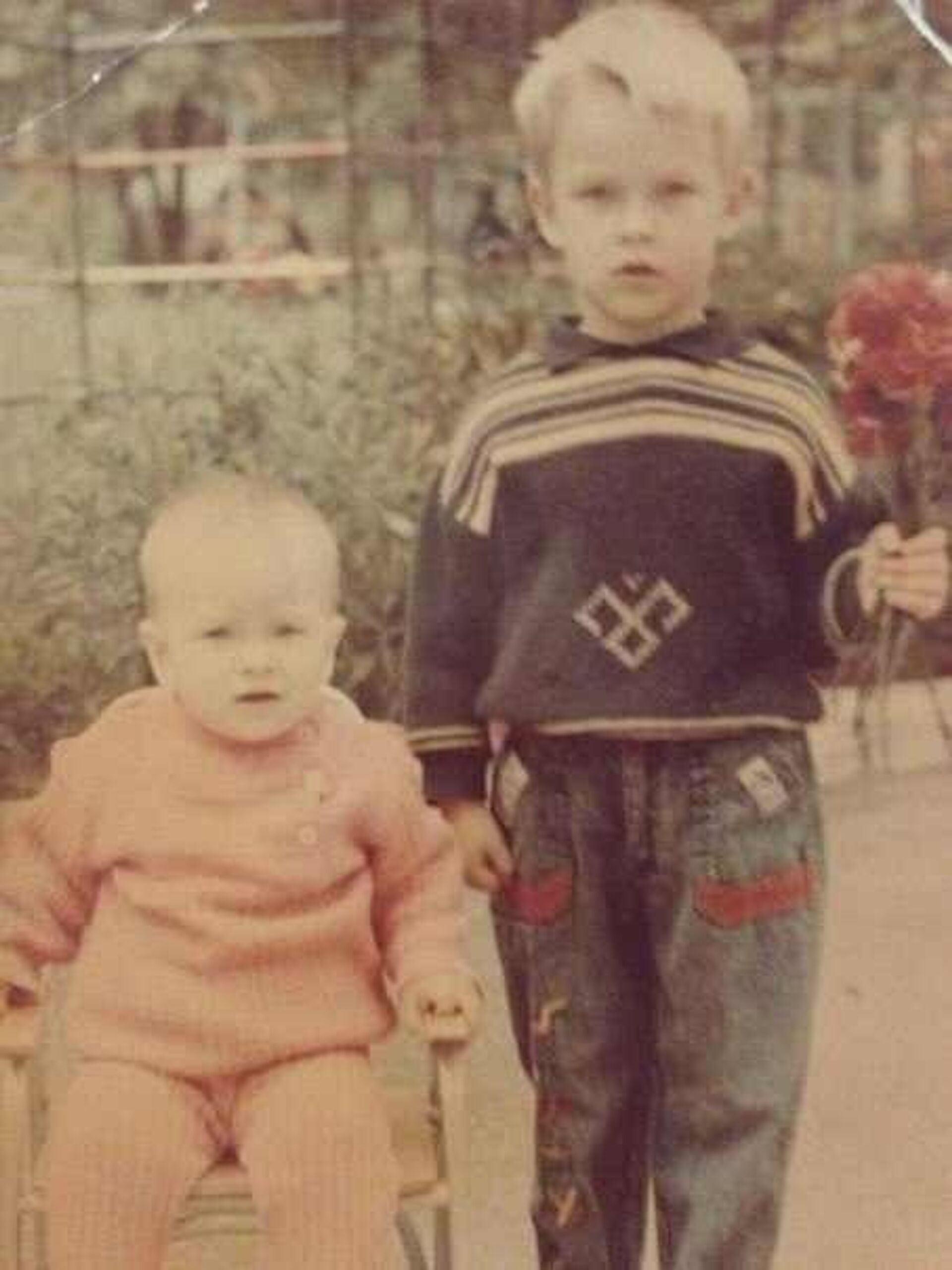 Альберт Яруллин (слева) со старшим братом - РИА Новости, 1920, 30.12.2020