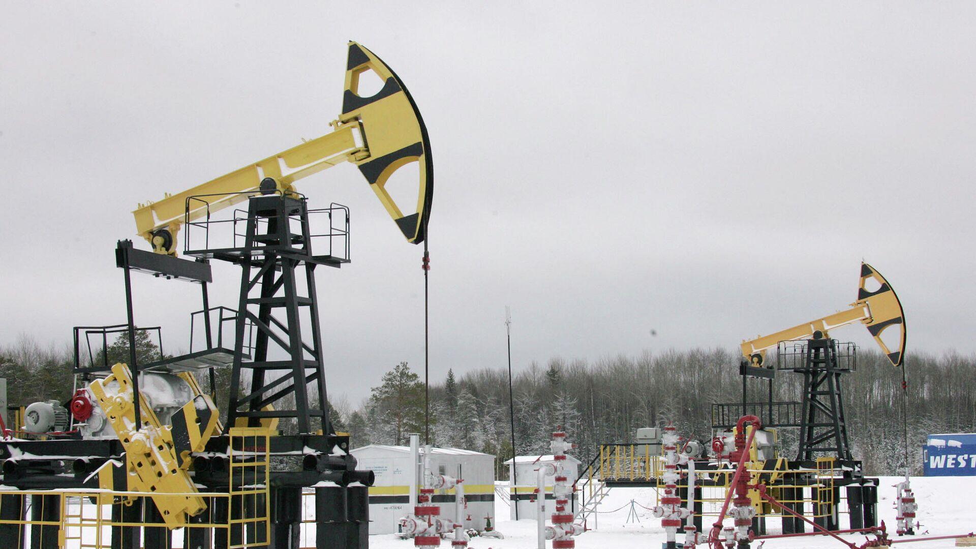 Цена нефти Brent опустилась ниже 61 доллара за баррель
