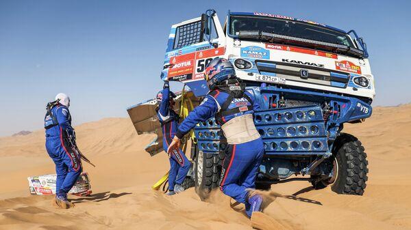 Выступление спортивной команды КАМАЗ-мастер на ралли-марафоне Дакар