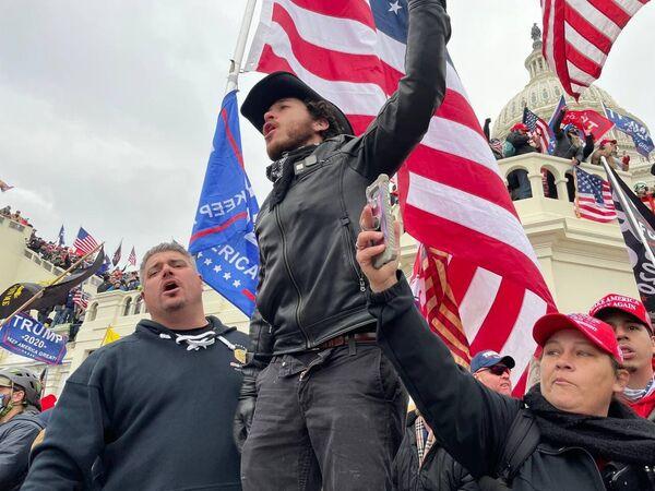 Беспорядки у Капитолия в Вашингтоне